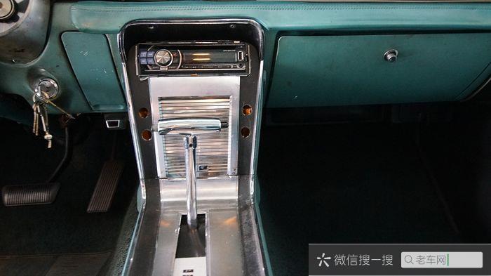 Ford - Mustang 302 V8 - 1967704 作者:老爷车