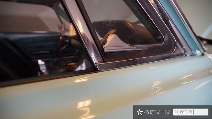 Ford - Mustang 302 V8 - 1967857 作者:老爷车